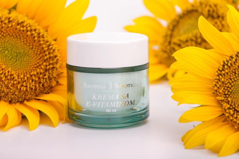 Krema-za-lice-sa-E-vitaminom-50ml---sa-pozadinom-2-resize.jpg
